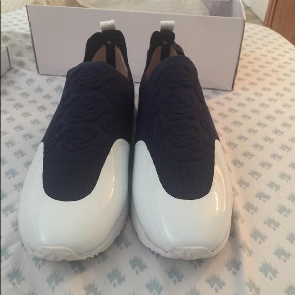 Taryn Rose Shoes | Cara Easy Knit